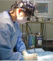 レーザー手術を行っている写真